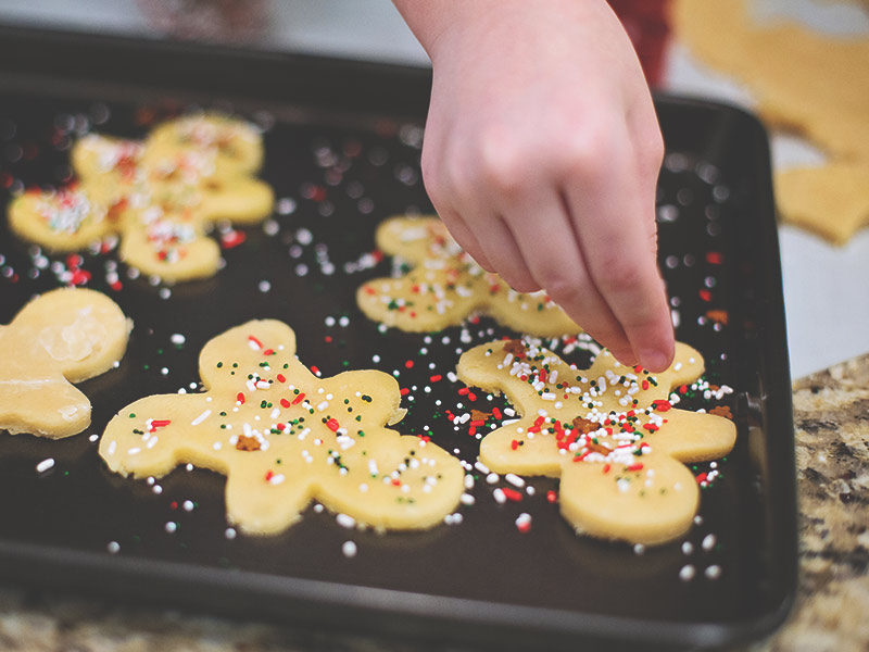 How do you get sprinkles on sugar cookies without icing
