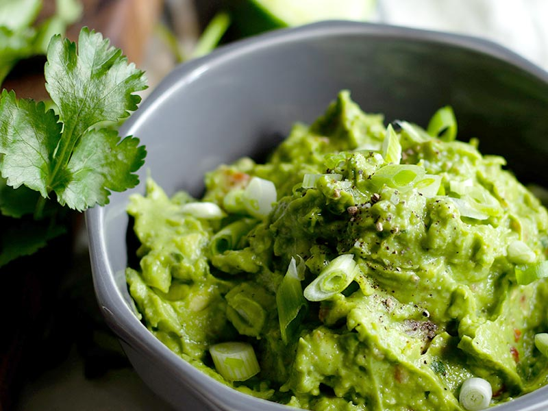 How do you keep Guacamole from turning brown